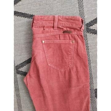 Spodnie rurki sztruksowe Wrangler Courtney W28 L34