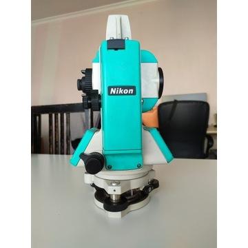 Tachimetr Nikon DTM-352
