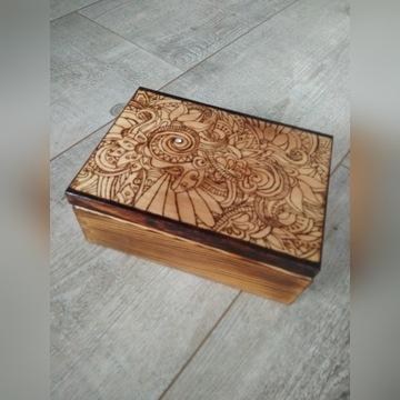 Skrzyneczka drewno ozdobna