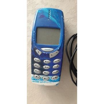 Telefon Nokia 3310 z ładowarką
