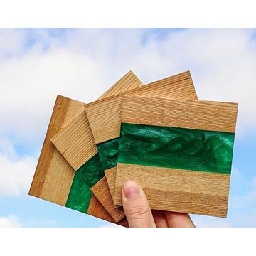 Dębowa podkładka pod kubek, drewniana z żywicą