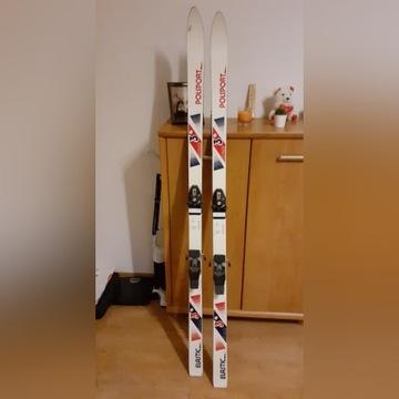 Narty wraz z butami narciarskimi