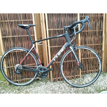 Cube Attain GTC r 60 Shimano 105 Endurance carbon