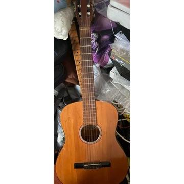 Gitara klasyczna Defil z lat 90.