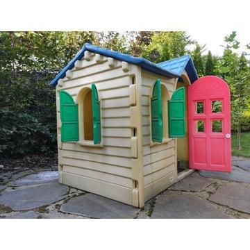 Domek, zjeżdżalnia, fontanna dla dzieci