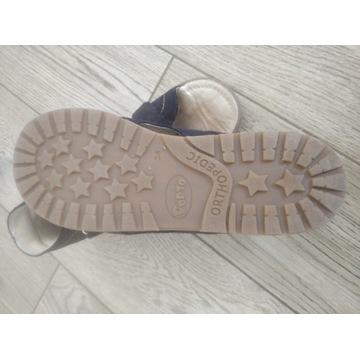 Obuwie profilaktyczne kapcie sandały Mrugała 34