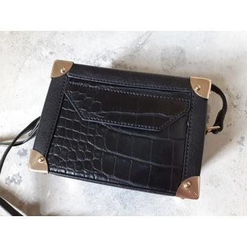 Mała torebka Parfois kuferek czarny / złote okucia