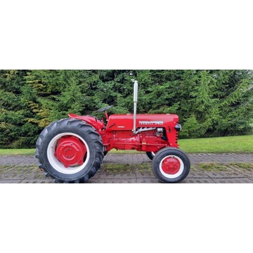Traktor McCormick international farmall D 430