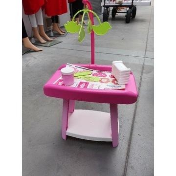 Przewijak i krzesełko do karmienia