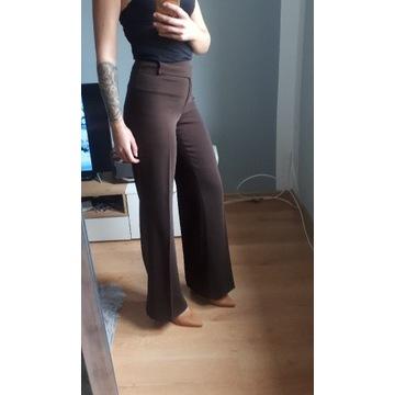Szerokie spodnie Blacky Dress na kant