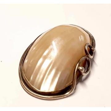 Srebrna Broszka z muszlą vintage