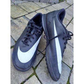 Nike bravata 42,5 turfy buty sportowe piłka 27 cm