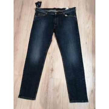 Spodnie dżinsy marki Harmont & Blaine rozmiar 2XL