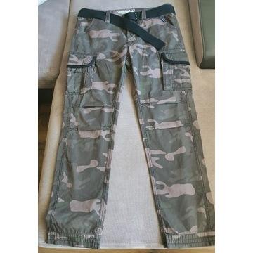 Spodnie Premium Slimmy w stylu vintage Surplus L