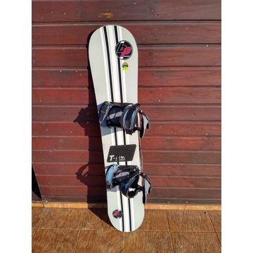 Snowboard BLACK PRO z wiązaniami dł. 138 cm