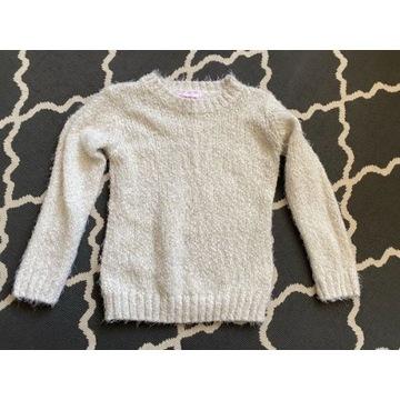 Ciepły włochaty sweterek 134