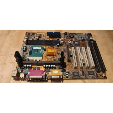Płyta ECS P6BAT-A+ Procesor Intel Celeron 700MHz