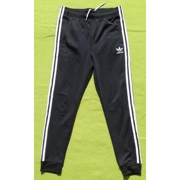 Spodnie dresowe Adidas czarne rozmiar 164