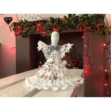 Szydełkowy biały aniołek - rękodzieło.