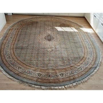 Piękny półokrągły ręcznie tkany wełniany dywan