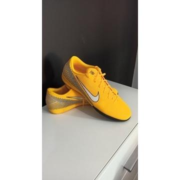 Buty piłkarskie Nike Mercurial Vapor 12-rozmiar 45