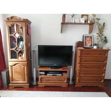 Komplet mebli - drewniane GRATIS sofy i lampa