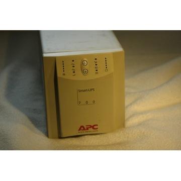 Zasilacz awaryjny APC SMART 700
