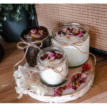Świeczka świeca sojowa suszone kwiaty róża zestaw
