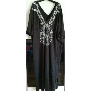 Bawełniana sukienka z pięknym zdobieniem