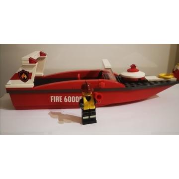 Lego łódka.