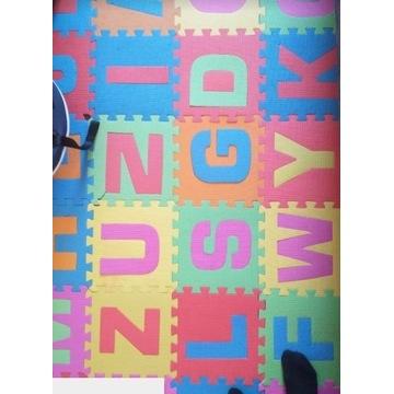 Mata piankowa dla dzieci puzzle alfabet 26 element
