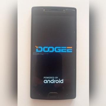 Telefon DOOGEE BL7000