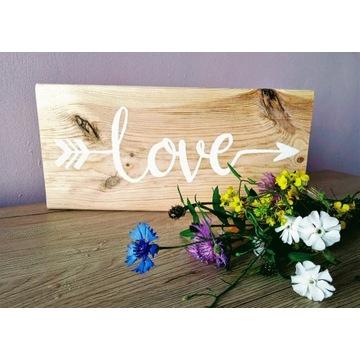 Deska z napisem love, tabliczka z napisem do domu