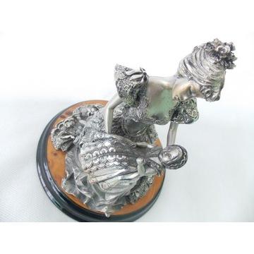 Figurka włoska  Salvucci - Dama z dzieckiem Rzeźba