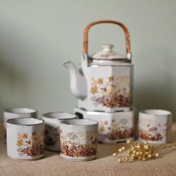 Imbryk i czarki do herbaty - zestaw