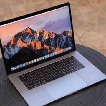 "Macbook Pro 15"" 2017r. i7 2.9/16GB/512GB"