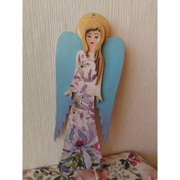 Anioł drewniany wiszący - 20 cm