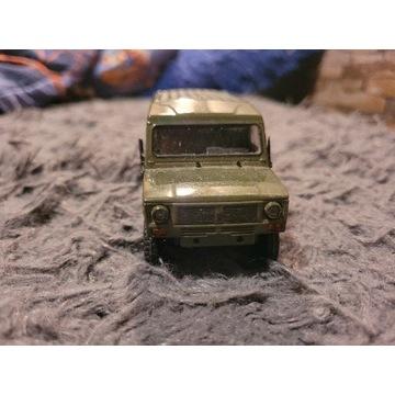 Tarpan Honker 4012 - model 1:43