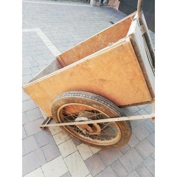 Przyczepka, wózek drewniany