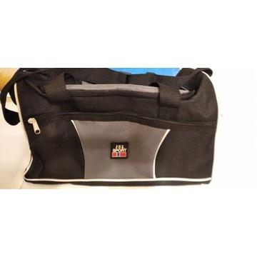 Sprzedam szaro - czarną torbę sportową z materiału