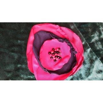 Broszka tkanina czerwień