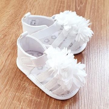 Sandałki niemowlęce