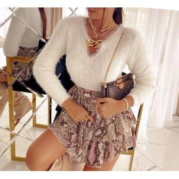 Sweterek wlochacz roz, S/M  złoty łańcuszek