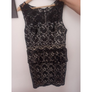 Sukienka koronkowa 40