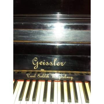 Zabytkowe pianino Geissler