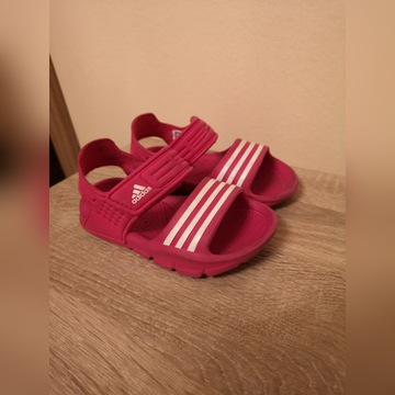 Sandałki dziecięce Adidas różowe rozmiar 23