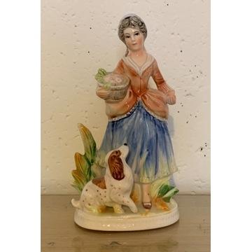 Stara figurka porcelanowa kobieta z koszem i psem