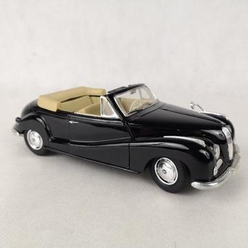 Maisto BMW 502 z 1955 roku czarny model samochodu