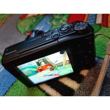 Panasonic Lumix DMC - TZ57, obracany ekran selfi