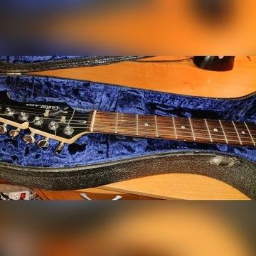 Gitara stratocaster z efektem Alesisa z pokrowcem